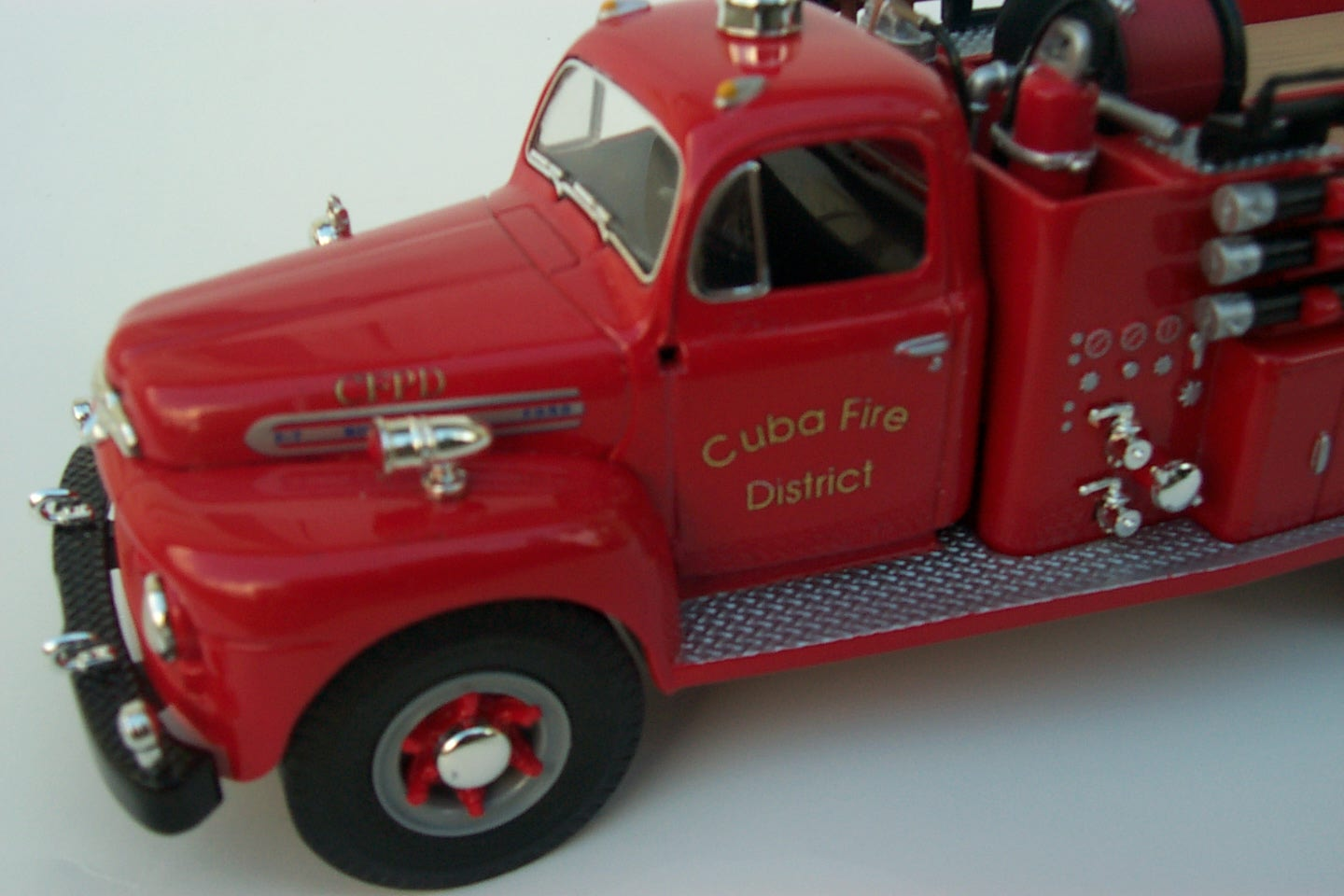 Golden Valley 1951 Ford Pumper